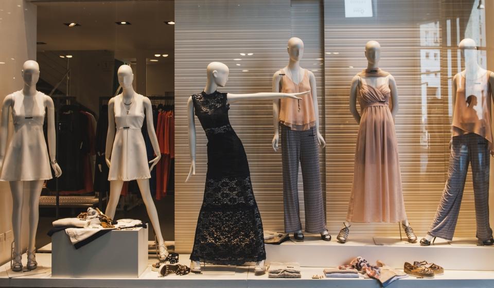 shutterstock_466589585 shop front