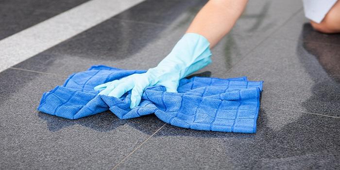 Hard Floor Cleaning 1 - 700x350