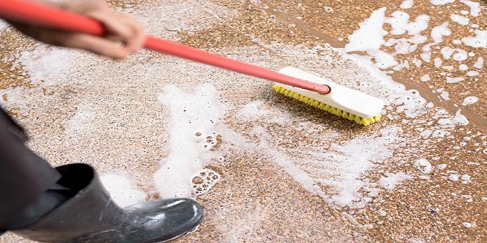 Hard Floor Cleaning 3 - 700x350
